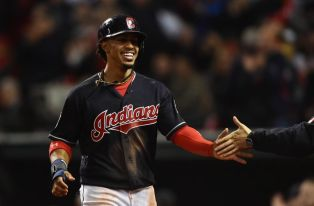 9632629-francisco-lindor-mlb-world-series-chicago-cubs-cleveland-indians-850x560